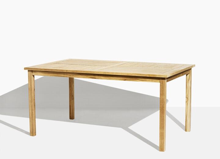 Liv Trädgårdsbord i teak. Hos scanteak finns endast möbler tillverkade i kärnteak utan tillsatta kemikalier, vi planterar ett nytt teakträd / såld produkt.
