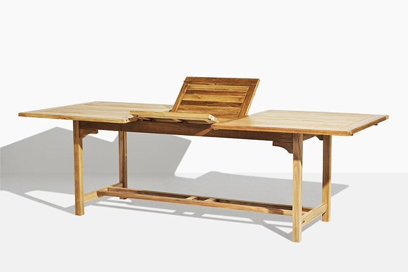 Vega trädgårdsbord i teak. Hos scanteak finns endast möbler tillverkade i kärnteak utan tillsatta kemikalier, vi planterar ett nytt teakträd / såld produkt.