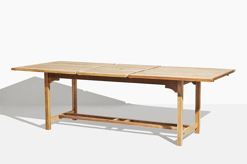 Vega fyrkantigt trädgårdsbord i teak. Hos scanteak finns endast möbler tillverkade i kärnteak utan tillsatta kemikalier, vi planterar ett nytt teakträd / såld produkt.