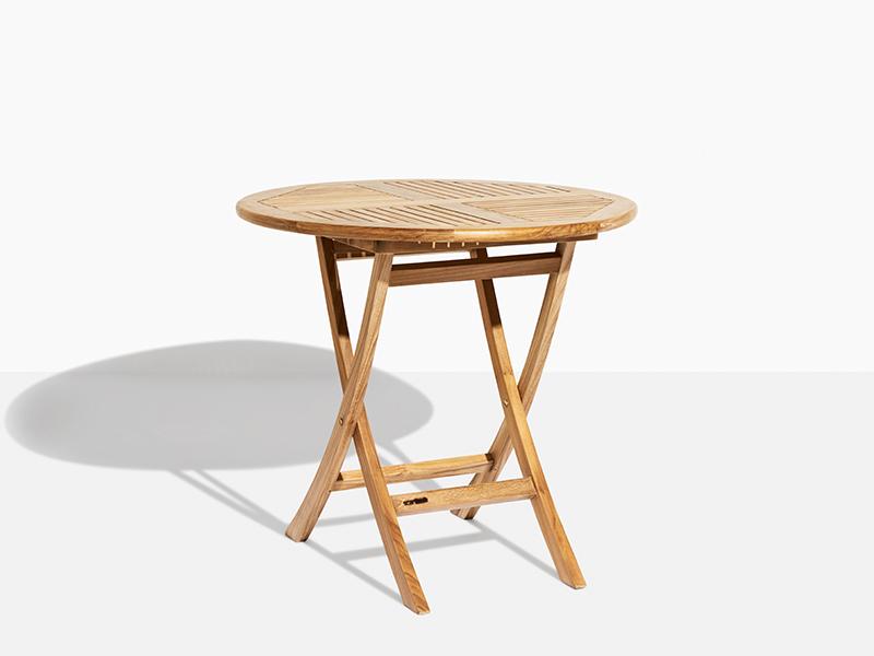 August 80 Trädgårdsbord Teak Runt Fällbart. Hos scanteak finns endast möbler tillverkade i kärnteak utan tillsatta kemikalier, vi planterar ett nytt teakträd / såld produkt.