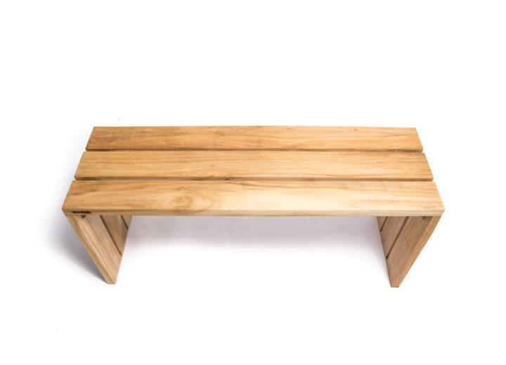 Simpel bänk teak trädgårdsbänk. Hos scanteak finns endast möbler tillverkade i kärnteak utan tillsatta kemikalier, vi planterar ett nytt teakträd / såld produkt.