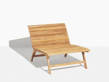 Walther Lounge Stol Teak Exklusiv. Hos scanteak finns endast möbler tillverkade i kärnteak utan tillsatta kemikalier, vi planterar ett nytt teakträd / såld produkt.