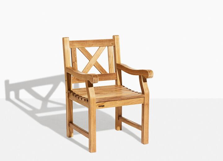 X Stol Trädgårdsstol Teak. Hos scanteak finns endast möbler tillverkade i kärnteak utan tillsatta kemikalier, vi planterar ett nytt teakträd / såld produkt.