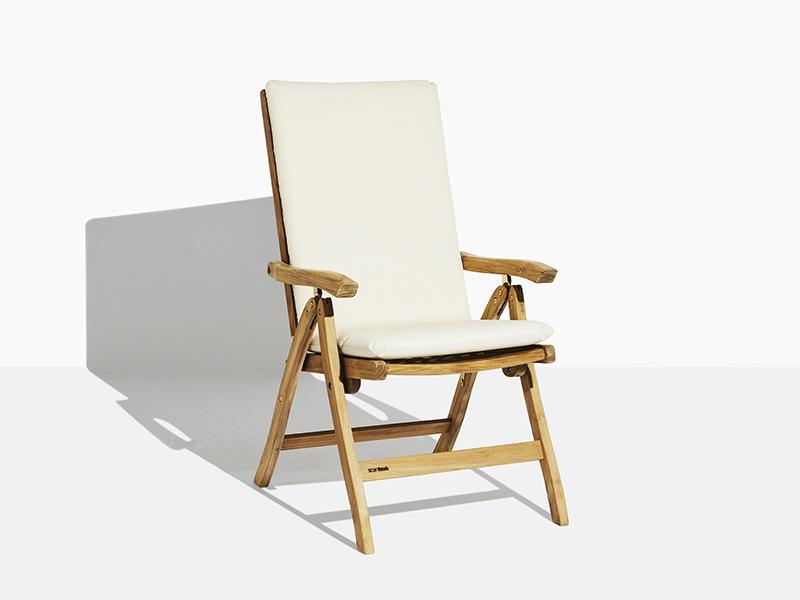 Anine positionsstol dyna. Hos scanteak finns endast möbler tillverkade i kärnteak utan tillsatta kemikalier, vi planterar ett nytt teakträd / såld produkt.